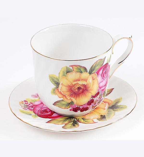 """Чайная пара """"Romantic Life"""" чашка 350мл с блюдцем в подарочной коробке"""