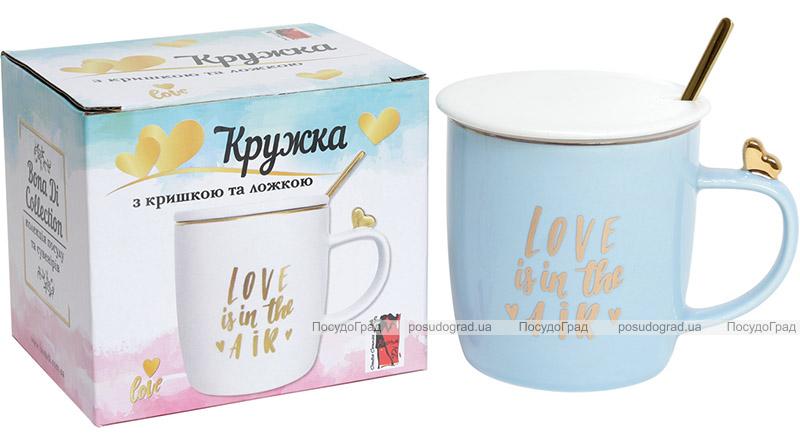 """Кружка фарфоровая """"Love is in the air"""" 375мл с крышкой и ложечкой"""