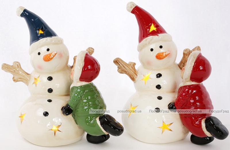 """Новогодняя декоративная статуэтка """"Снеговик с деткой"""" с LED-подсветкой 12.9х8.6х14.2см"""