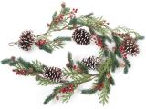 Декоративна гірлянда зі штучної хвої з шишками і ягодами 152см