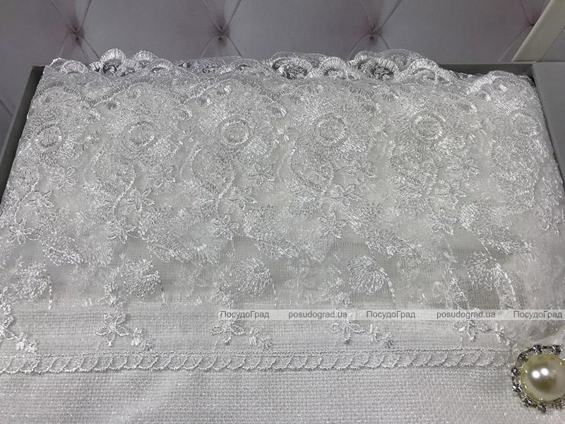 Скатерть Isadora Simanur 160х220см с кружевами и декоративными камнями, белая