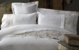 Комплект постельного белья Pupilla Clasic Lactic Евро (4 наволочки), сатин с 3D вышивкой