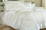 Покривало Pepper Home Patrica Krem 270х260см з наволочками і декоративними подушками, сатин